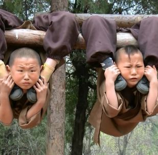 Şaolin'de çocuklara Kung-Fu eğitimi