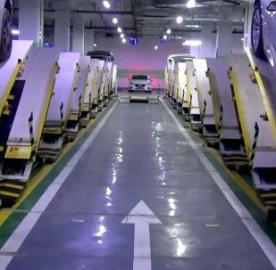 Çin'in yeni otopark sistemi: Otomobilleri üst üste yığ