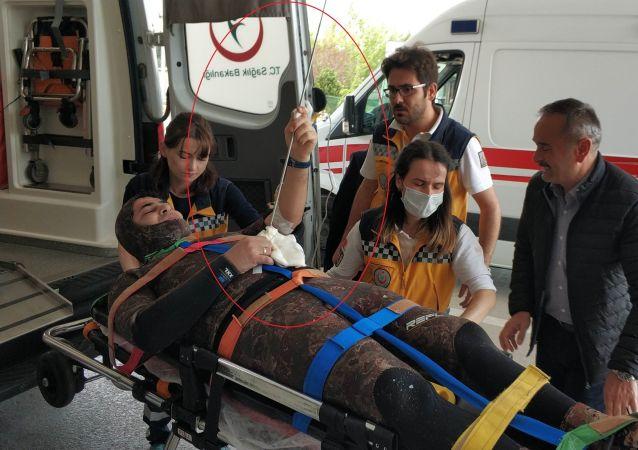 Samsun - Karnına saplanan zıpkınla hastaneye kaldırıldı