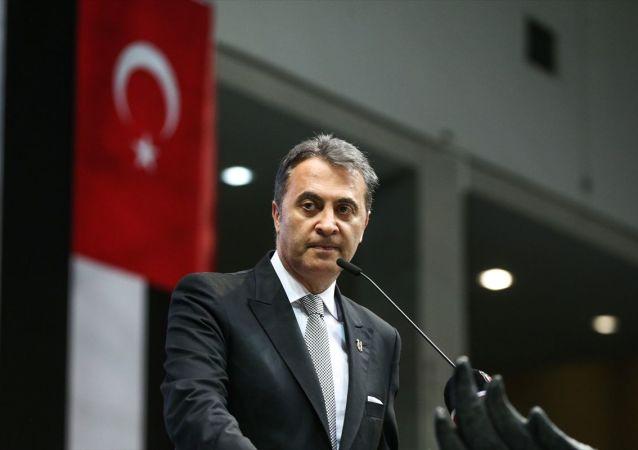BJK Akatlar Spor ve Kültür Kompleksi'nde gerçekleştirilen Beşiktaş olağan seçimli genel kurulunda 5. kez başkanlığa seçilen Fikret Orman, konuşma yaptı.