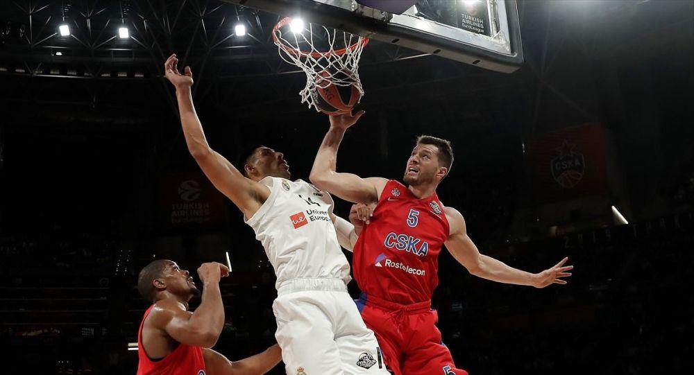 Basketbol THY Avrupa Ligi Dörtlü Finali'nde Real Madrid'i 95-90 yenen CSKA Moskova, finale yükseldi ve Anadolu Efes'in rakibi oldu.