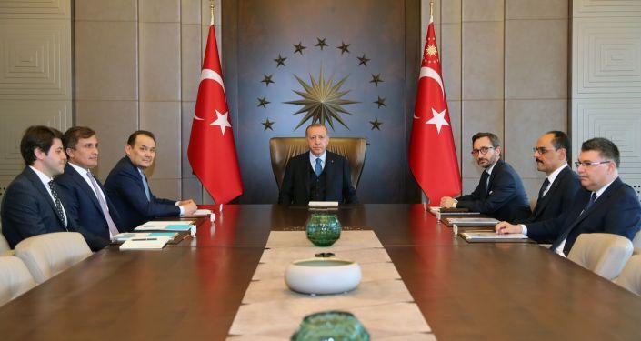 Cumhurbaşkanı Erdoğan, Türk Konseyi Genel Sekreteri Amreyev ile bir araya geldi