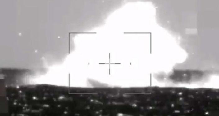 Milli Savunma Bakanlığı (MSB), Twitter hesabından yerli ve milli L-UMTAS füzesiyle süratli suüstü droneunun tam isabetle vurulduğu atışın görüntülerini paylaştı.