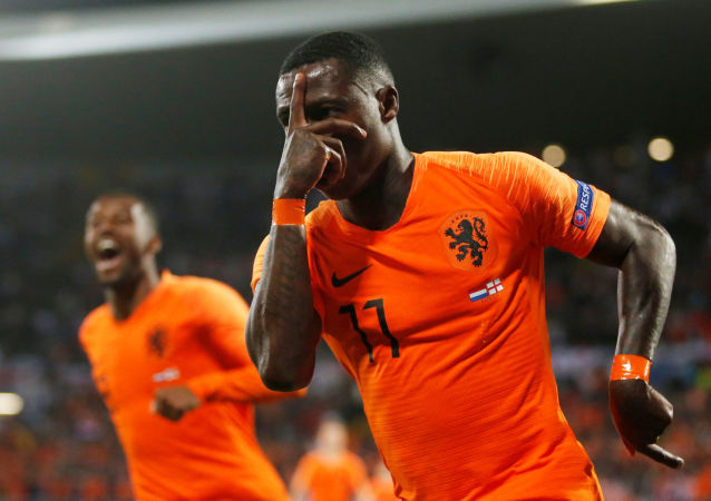 UEFA Uluslar Ligi'nde Hollanda, İngiltere'yi normal süresi 1-1 biten maçın uzatma devrelerinde 3-1 yenerek finalde Portekiz'in rakibi oldu.