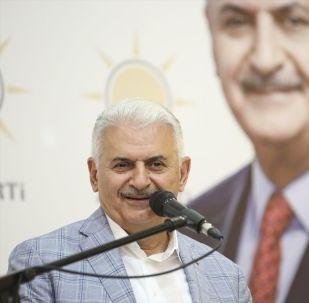 Cumhur İttifakı'nın AK Parti İstanbul Büyükşehir Belediye Başkan Adayı Binali Yıldırım, Kastamonu'da AK Parti İl Başkanlığı tarafından düzenlenen Sivil Toplum Kuruluşları Buluşması'na katılarak konuşma yaptı.