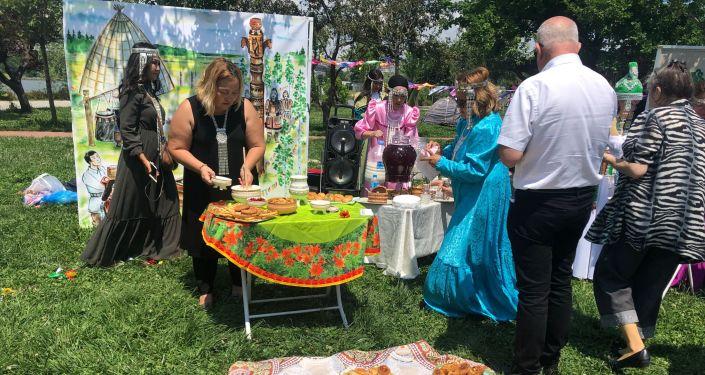 Isıah Bayramı'nda yerel Yakut yemekleri ve kımız ikram edildi.