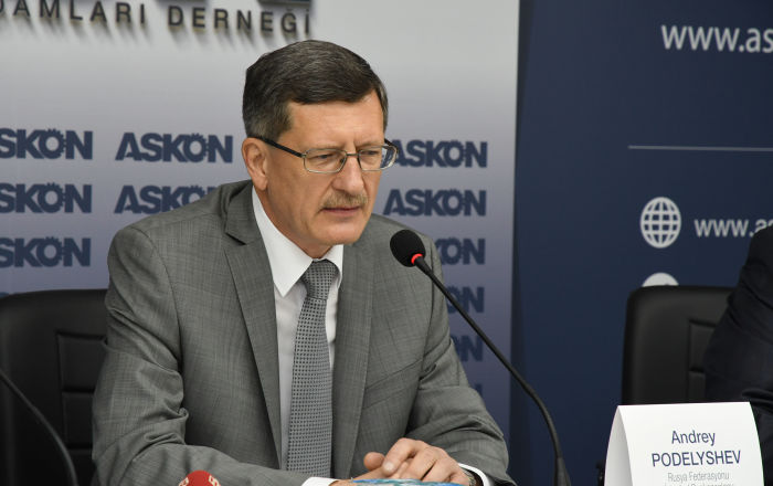 Başkonsolos Podyelışev: Batı, Türkiye'yi kendisiyle Rusya arasında tercihe zorluyor