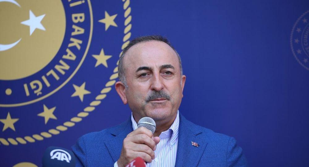 Dışişleri Bakanı Mevlüt Çavuşoğlu, bir dizi ziyaretlerde bulunmak üzere Hatay'a geldi.