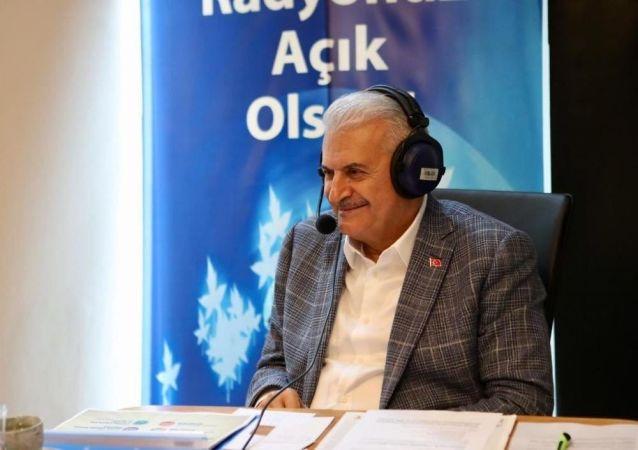 AK Parti İstanbul Büyükşehir Belediye Başkan Adayı Binali Yıldırım, radyo ortak programına katılarak soruları yanıtladı.