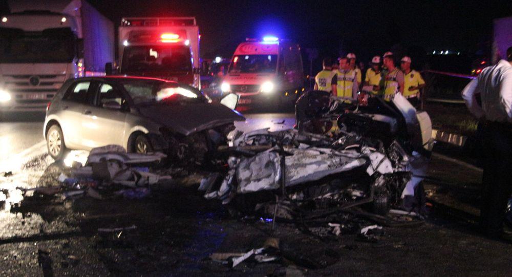 İzmir'deki kazada aynı aileden 3 kişi öldü, 1 kişi yaralandı