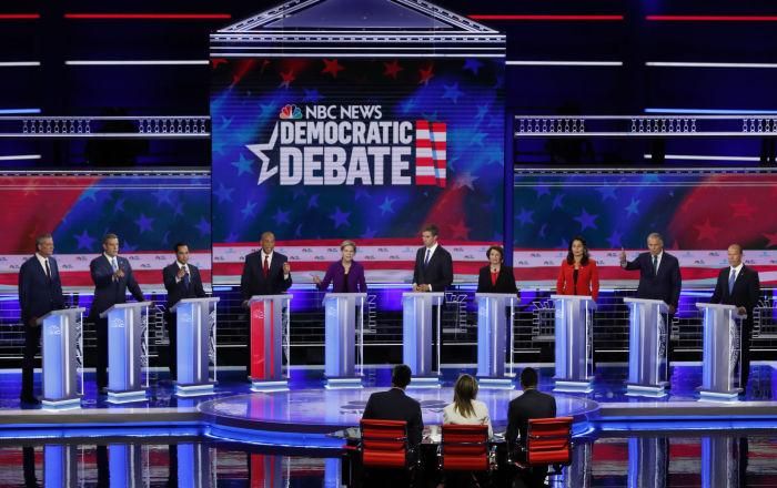Canlı yayında tartışan Demokrat aday adayları Trump'ı eleştirdi: Savaştan bir tweet uzakta, ABD için tehdit