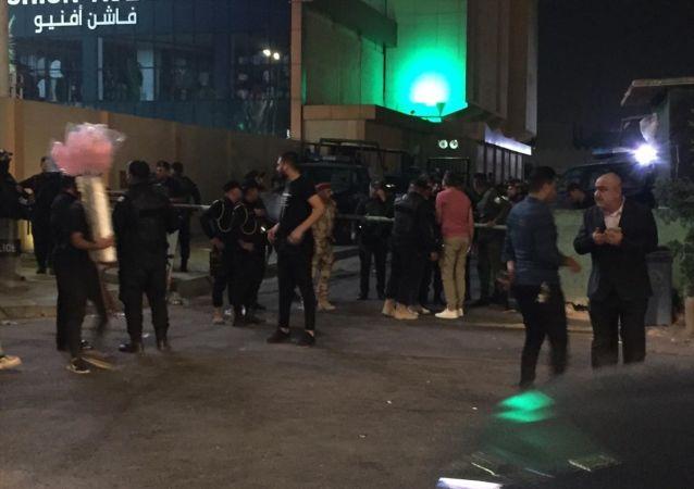 Iraklı göstericilerden Bahreyn Büyükelçiliğine baskın