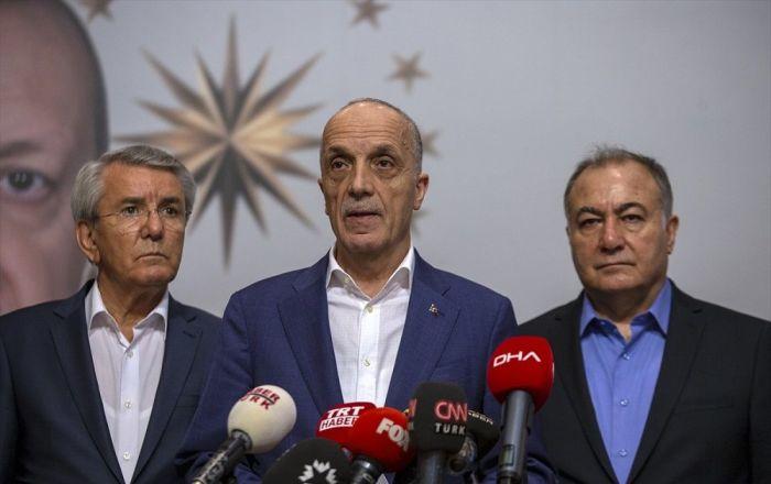 Türk-İş Başkanı, toplu sözleşmeye neden imza attığını açıkladı