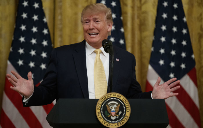 Trump, AB ile ticareti 'şikayet etti': Bizi Çin'den beter soyuyorlar