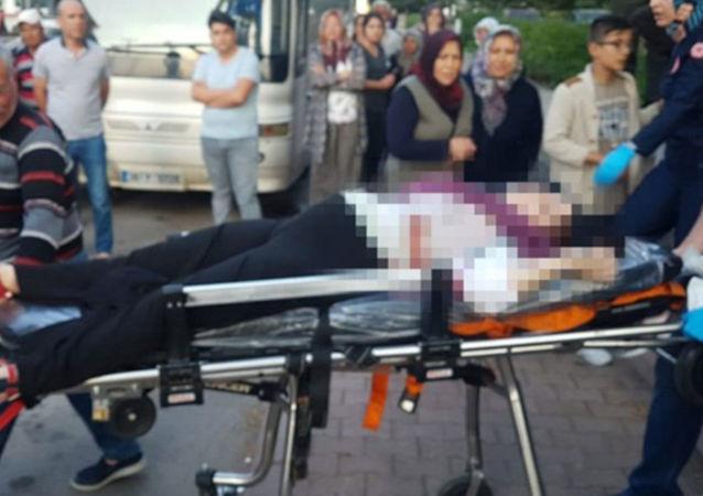Hamile eş ve arkadaşına sokak ortasında kurşun yağdırdı: 1 ölü, 1 yaralı