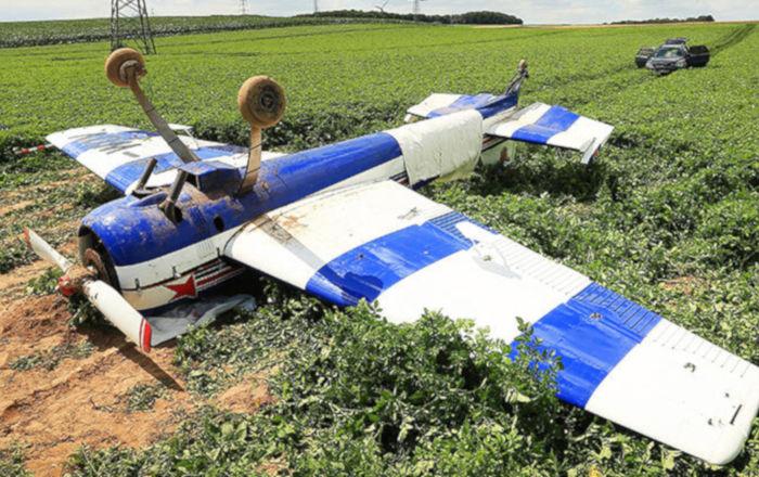 Kaza yapan küçük uçaktaki yolcuların kurtuluşukameralaraböyleyansıdı