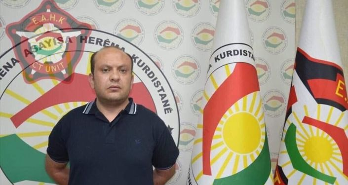 Irak Kürt Bölgesel Yönetimi (IKBY), Erbil'deki Türk Başkonsolosluğu görevlisinin hayatını kaybettiği saldırının zanlılarından Mazlum Dağ'a yardım ettiği iddia edilen Muhammed Bisksız'in yakalandığını açıkladı.