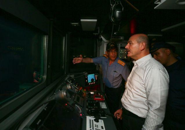 İçişleri Bakanı Süleyman Soylu'dan Ege Denizi'nde gece seyri