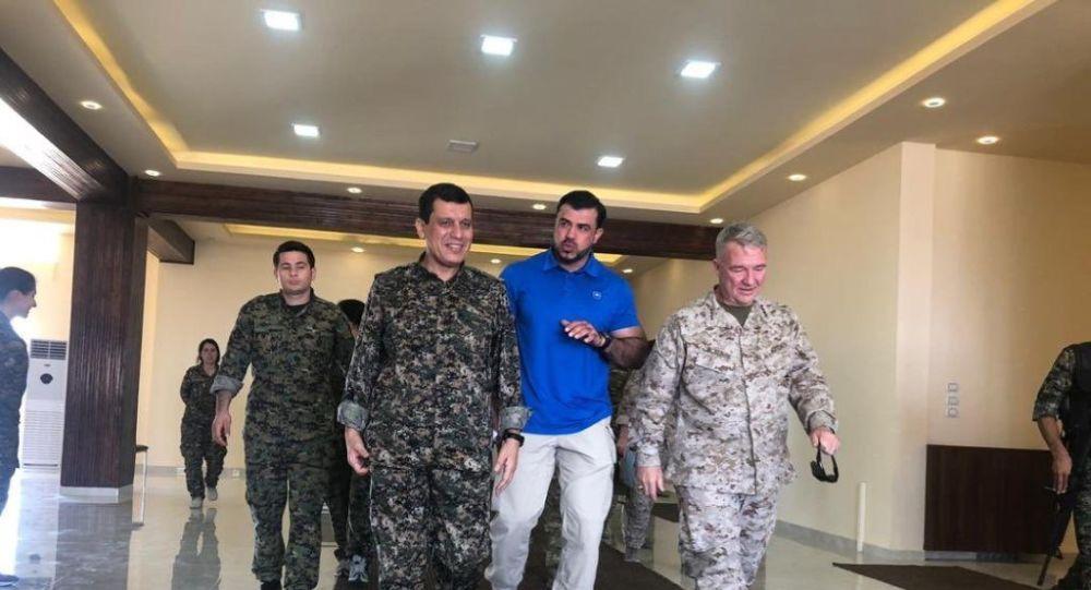 ABD'nin Suriye Özel Temsilcisi James Jeffrey'nin temaslarda bulunmak üzere Türkiye'ye geldiği sırada, ABD Merkez Kuvvetler Komutanı (CENTCOM) General Kenneth McKenzie, Suriye'de DSG komutanı Mazlum Kobani kod adlı Şahin Cilo ile görüştü.