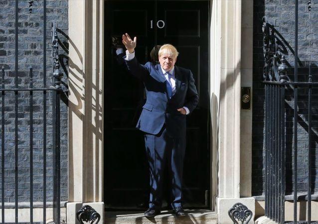 İngiltere'de Muhafazakar Parti liderliğine seçilen Boris Johnson ülkenin yeni başbakanı oldu.