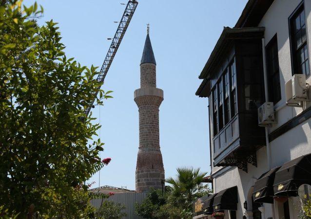 Antalya'nın ilk yerleşim bölgesi Kaleiçi'nde yer alan ve Selçukluların fethi sonrası kiliseden camiye çevrilerek, Şehzade Korkut'un adının verildiği cami