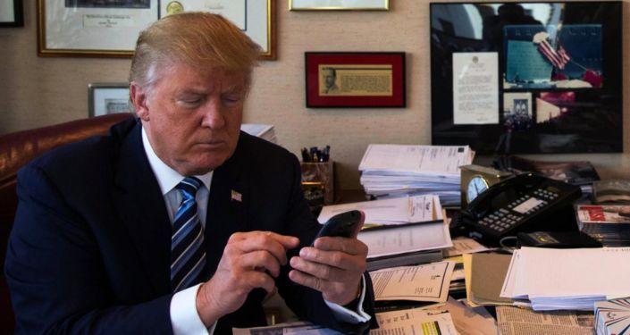 ABD Başkanı Donald Trump, attığı tweet'lerin, basının saldırılarına karşı tek savunma şekli olduğunu belirtti.