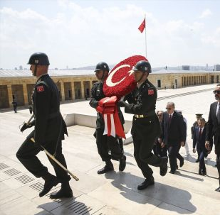 Yüksek Askeri Şura (YAŞ) üyeleri, Türkiye Cumhurbaşkanı Recep Tayyip Erdoğan başkanlığında Anıtkabir'i ziyaret etti.