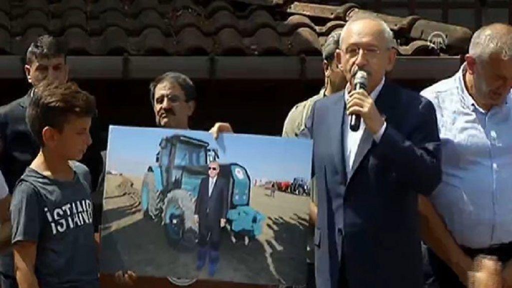 Kılıçdaroğlu: Bir ülkeyi yöneten insan kendi ülkesinin toprağına galoşla basmaz