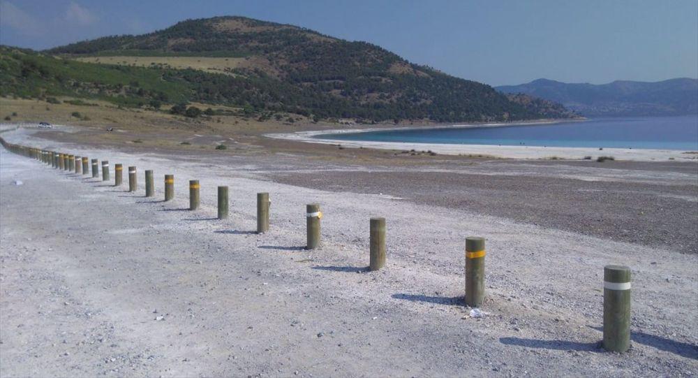 Salda Gölü ve çevresine ahşap bariyer sistemi kuruldu