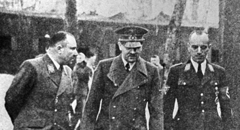 Martin Bormann, Adolf Hitler, Erwin Kraus
