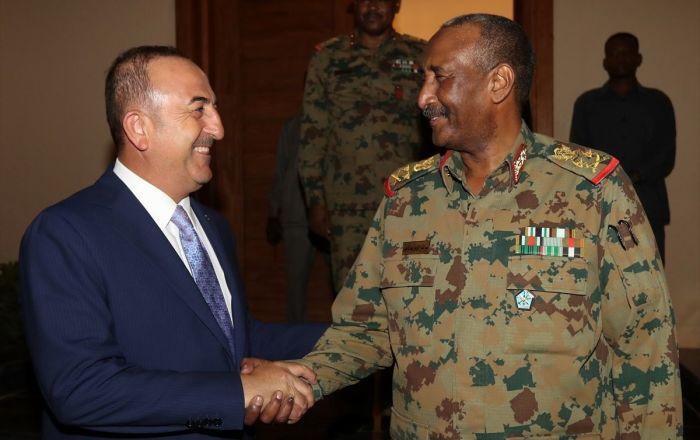 Çavuşoğlu kritik imza töreni için Sudan'da