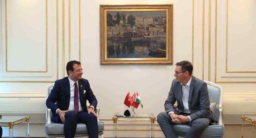 Macaristan'ın başkenti Budapeşte'nin belediye başkan adayı Gergely Karacsony ve  İstanbul Belediye Başkanı Ekrem İmamoğlu