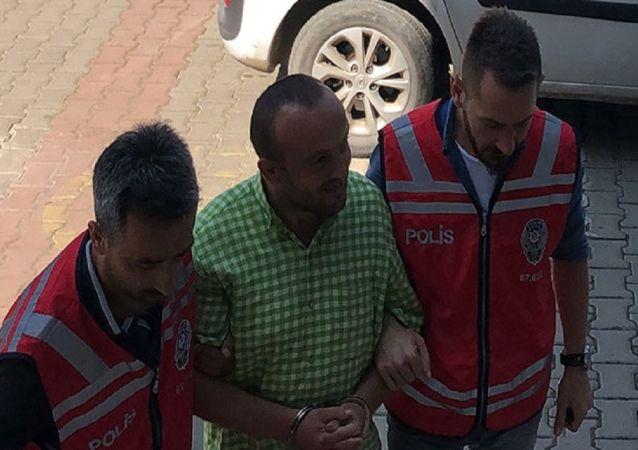 Zonguldak'ta bir iş yerinin soyulması ve bir bisikletin çalınması olayıyla ilgili gözaltına alınan ve 7 yılda 138 suç kaydı bulunduğu tespit edilen akli dengesi bozuk E.B. (30), serbest bırakıldı.