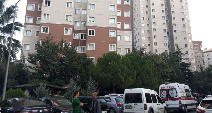 Zeytinburnu'nda bir binanın 17'nci katından düşen 2 yaşındaki kız hayatını kaybetti