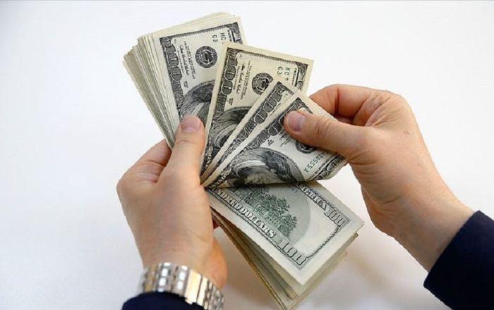 Dolar güne 5.74 ile başladı