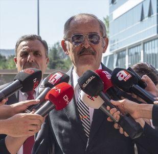 CHP'li büyükşehir belediye başkanları, Cumhurbaşkanı Recep Tayyip Erdoğan'ın kabulü öncesinde parti genel merkezinde toplandı. Toplantıya katılan Eskişehir Büyükşehir Belediye Başkanı Yılmaz Büyükerşen, açıklamalarda bulundu.