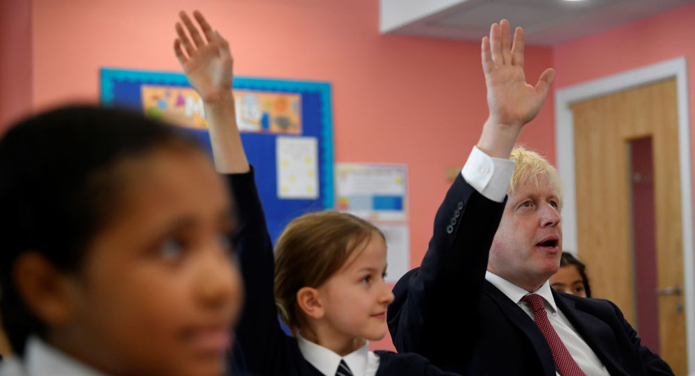 Başbakan Boris Johnson Londra'nın güneybatısındaki Pimlico İlkokulu'nda
