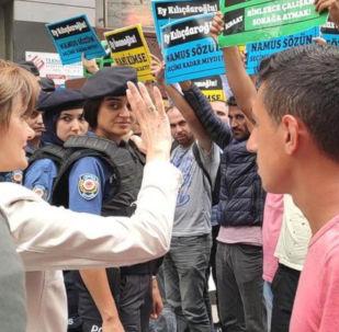 CHP'li Kaftancıoğlu, İBB'deki işten çıkarılan vatandaşlarla görüştü