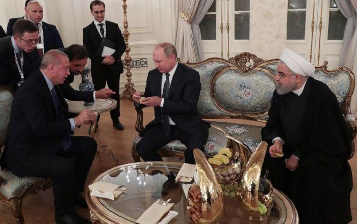 Erdoğan'dan Putin ve Ruhani'ye incir ikramı