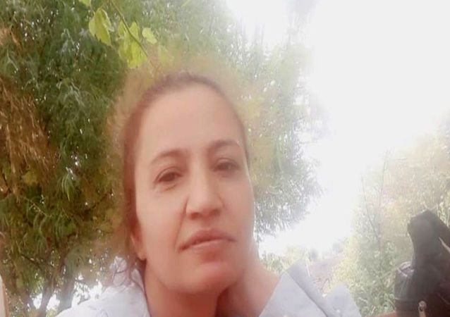 Antalya'da 2 yıl önce boşandığı eşi Bünyamin Bardakçı'nın, yüzüne kezzap atarak yaktığı Asiye Güzel, tedavi gördüğü hastanede yaşamını yitirdi.
