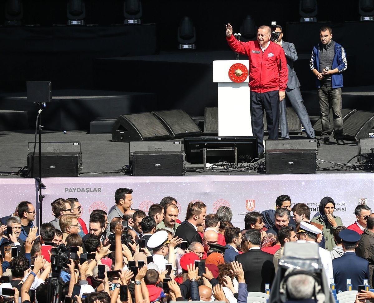 AK Parti Genel Başkanı ve Cumhurbaşkanı Recep Tayyip Erdoğan, İstanbul Atatürk Havalimanı'nda düzenlenen TEKNOFEST'te