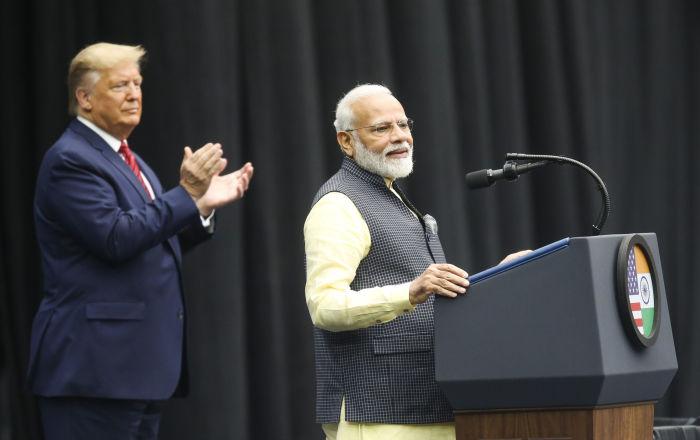 Trump ile Modi Teksas'ta bir araya geldi