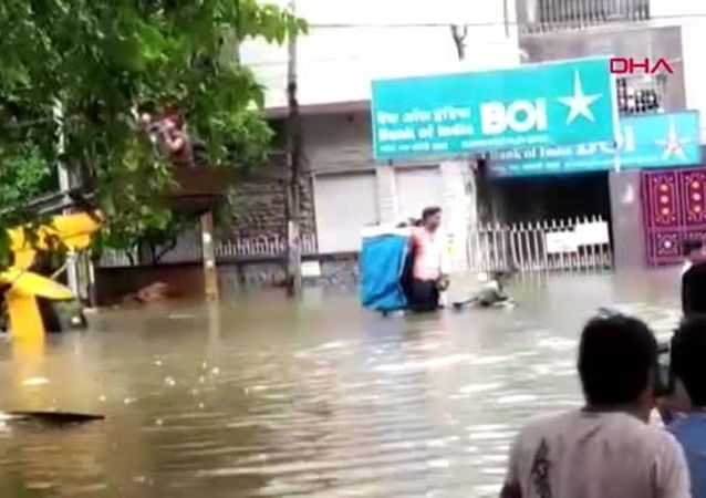 Hindistan'ın kuzeyinde sel: En az 40 ölü