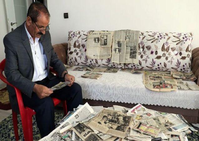 Diyarbakır'da yaşayan 60 yaşındaki Mahmut Bayram, 42 yıldır okuduğu günlük gazetelerdeki 'acı haberleri' kesip, kupür olarak saklıyor.