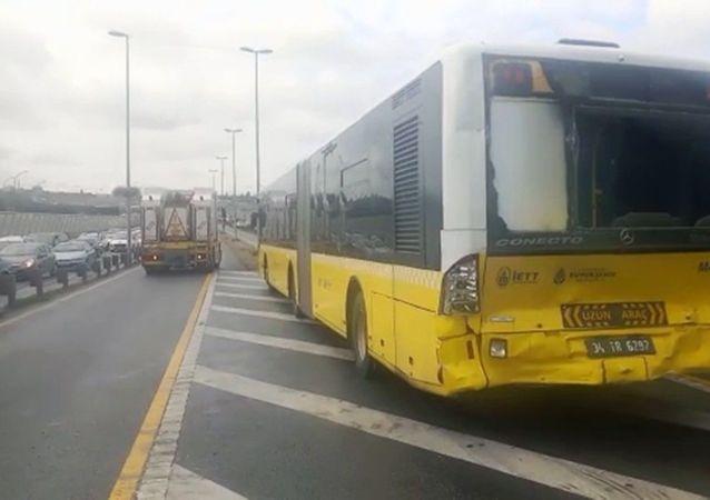 Metrobüs kazası