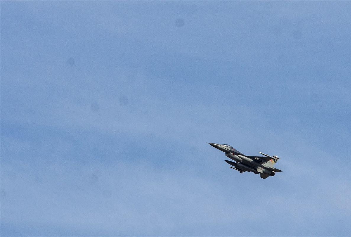Barış Pınarı Harekatı'nın başlamasının ardından Diyarbakır 8. Ana Jet Üssü'nde hava hareketliliği yaşanıyor.