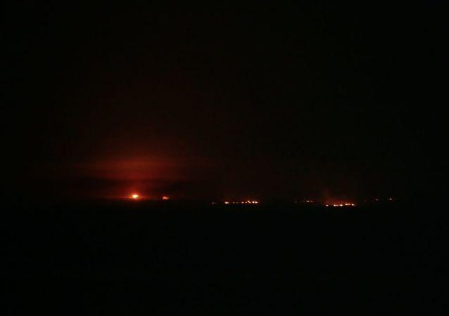 Türkiye'nin Suriye'nin kuzeyinde başlattığı Barış Pınarı Harekatı kapsamında, Tel Abyad'daki terör hedeflerine obüs atışları yapıldı.