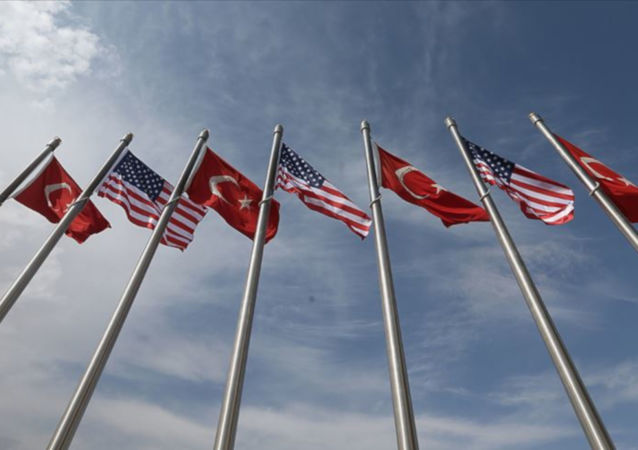 Türkiye ABD bayrakları