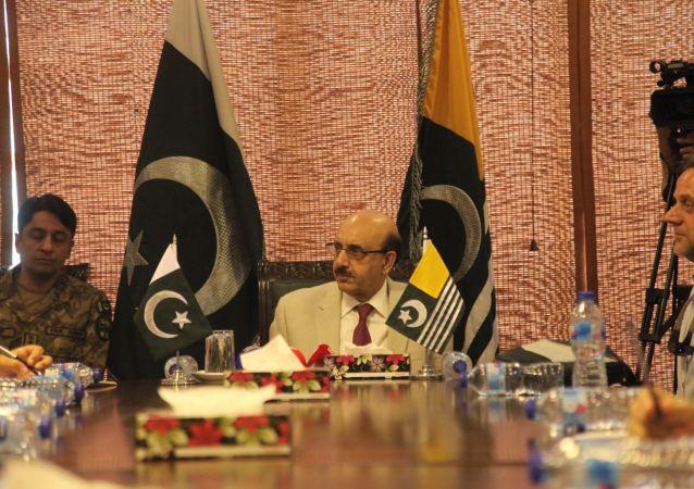 Pakistan kontrolündeki Azad Cammu ve Keşmir Cumhurbaşkanı Serdar Mesud Han