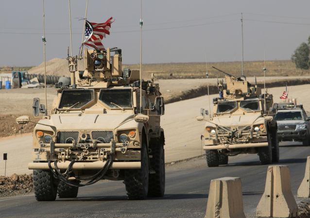ABD askeri konvoyları, Suriye'den çıkıp Irak'a geçerken
